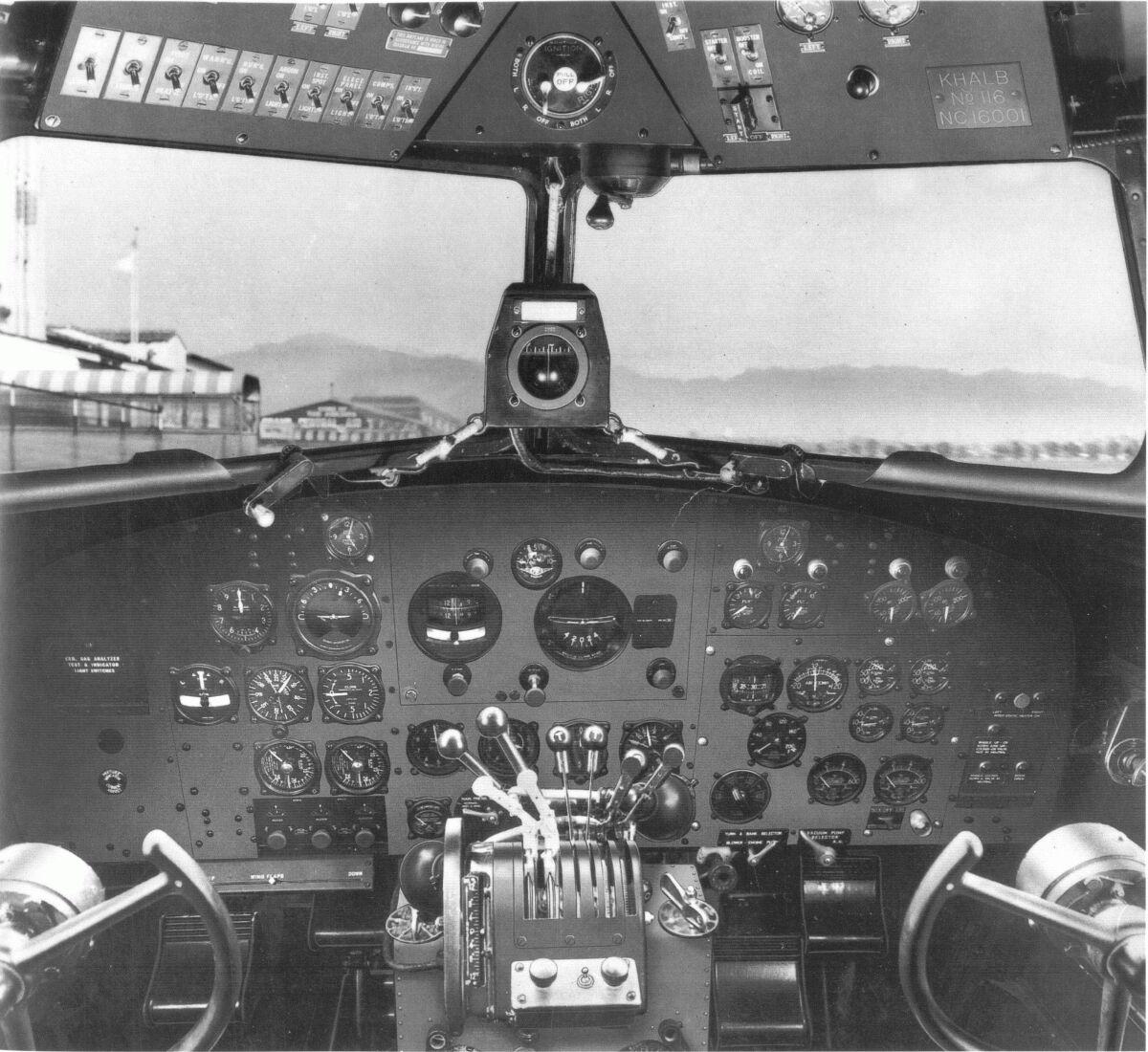 Douglas DC-3 - Holcomb's Aerodrome